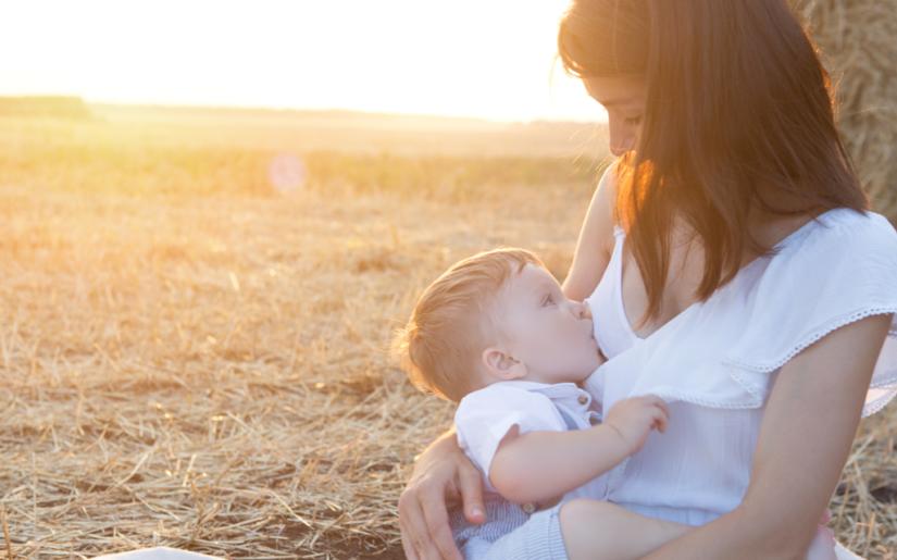 Συμβουλές για το θηλασμό κατά τους καλοκαιρινούς μήνες
