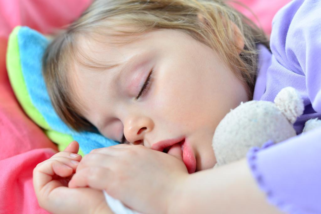 Πιπίλισμα δαχτύλου και χρήση πιπίλας Πότε είναι βλαβερά για τα δοντάκια του μωρού σας