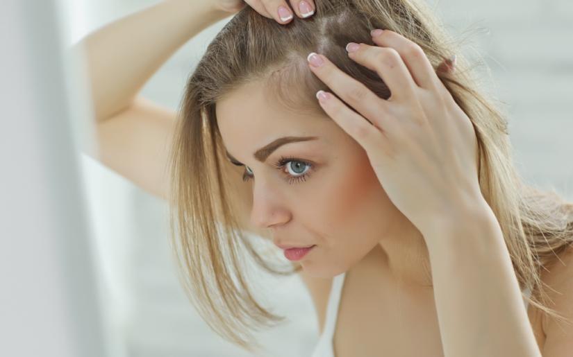 Γιατί τον ιούλιο χάνουμε περισσότερα μαλλιά;